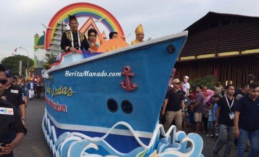 MANADO FIESTA: Tegaskan Tingginya Toleransi, VICKY LUMENTUT dan MOR BASTIAAN Naik Kendaraan Ini