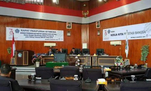 Wali Kota dan Wawali Bitung Noreng Pidato Jokowi di DPRD