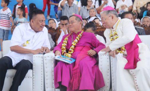 Gubernur Olly Dondokambey Menghadiri Puncak Yubelium 150 Tahun Gereja Katolik Keuskupan Manado