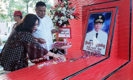 Olly-Steven Ziarah ke Makam Gubernur dan Wakil Gubernur yang Pernah Memimpin Sulawesi Utara