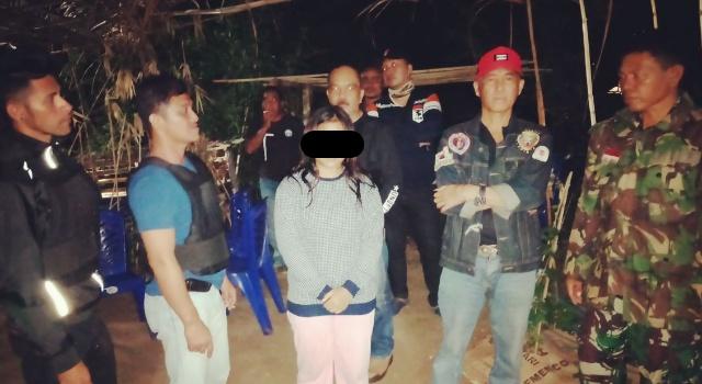 Korban perkosaan ditemui petugas kepolisian.