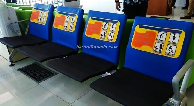 Kursi khusus di Bandara Sam Ratulangi Manado