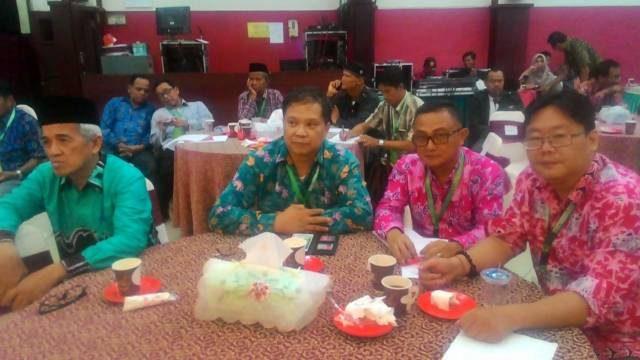 Ketua FKUB Provinsi Sulut Pdt Dr HWB Sumakul bersama Wakil Ketua Honny Lionardhy dan Wakil Sekretaris I Drs. Tenni G.M Assa saat mengikuti Konas IV FKUB se Indonesia di Tarakan.