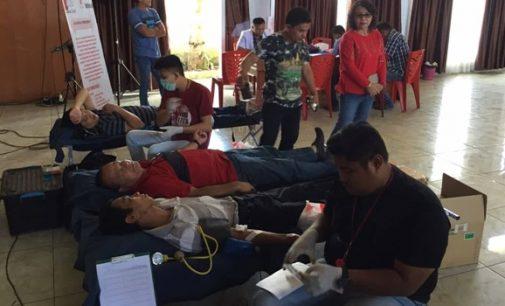 ROYKE MEWOH Apresiasi Kegiatan Donor Darah di Tondano