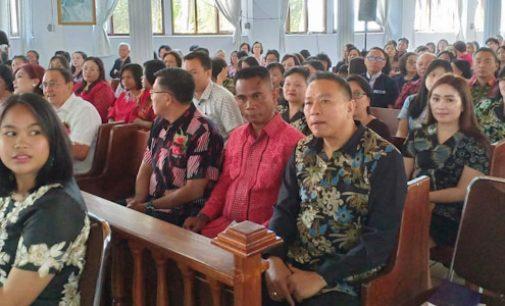 Wali Kota Tomohon Hadiri Ibadah Serah Terima Ketua BPMJ Riedel Wawalintouan