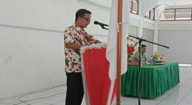 Wabup Helmud Hontong saat Membawakan Sambutan