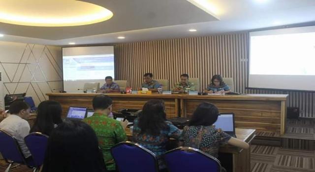 Rakor Pemkot Manado di ruang Toar Lumimuut Kamis (18/10/2018).
