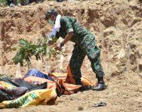 Pangdam XIII/Merdeka Pimpin Pemakaman Massal 72 Jenazah Korban Gempa dan Tsunami Palu-Donggala