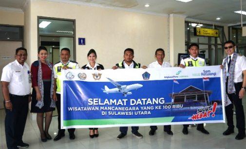 Wisman ke-100.000 Disambut di Bandara Sam Ratulangi Manado