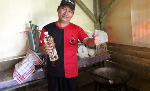 Harga Kopra Anjlok, Om Yori mulai Produksi Minyak Kelapa Sehat Asli Nyiur Melambai