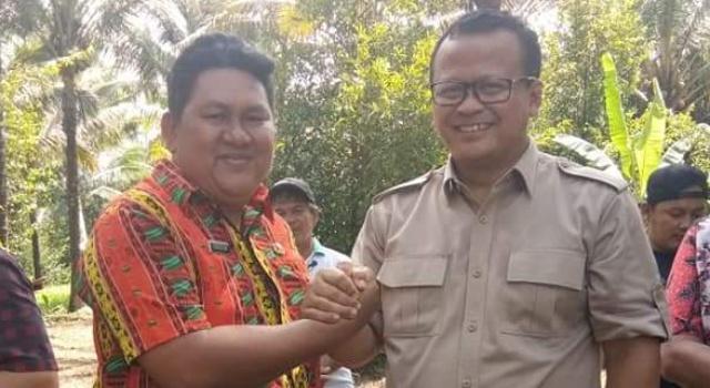 Ketua Komisi IV DPR RI Edhy Prabowo bersama Hukum Tua Talawaan Christian Umboh.