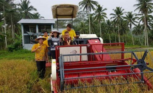 Bantuan Alat Pertanian Dari Bupati Tetty Paruntu Diharapkan Akan Mensejahterakan Petani