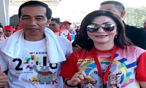 Bupati TETTY PARUNTU Ikut Jalan Santai Bersama Presiden JOKOWI, di Makassar