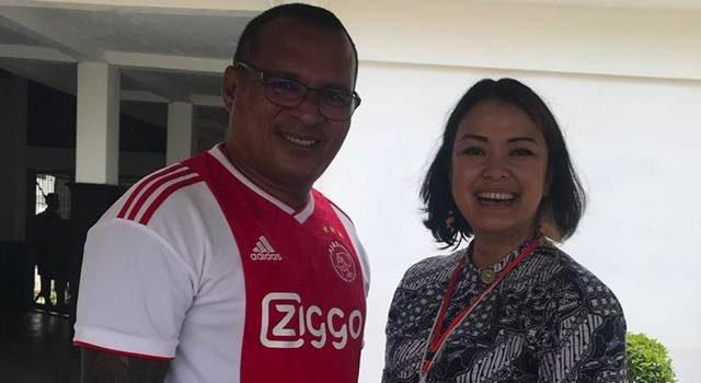 John Kei dan Ratnaningsih Dasahasta, Tenaga Ahli Kedeputian V Kantor Staf Kepresidenan.