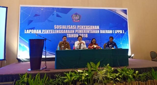 Sekda saat buka sosialisasi LPPD di Manado