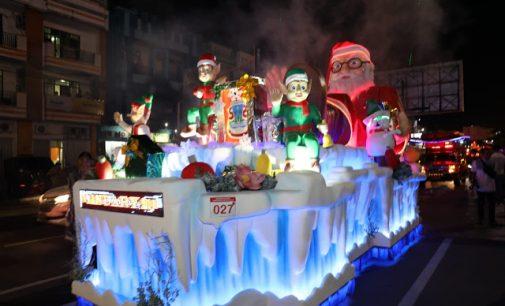 BERITA FOTO II: Parade Kendaraan Hias Christmas Festival 2018