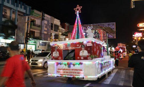 BERITA FOTO I: Parade Kendaraan Hias Christmas Festival 2018