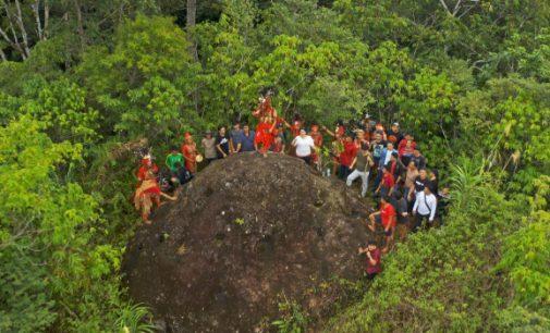 Saron: Pesona Wisata Budaya Watu Nietakan Sangat Dahsyat