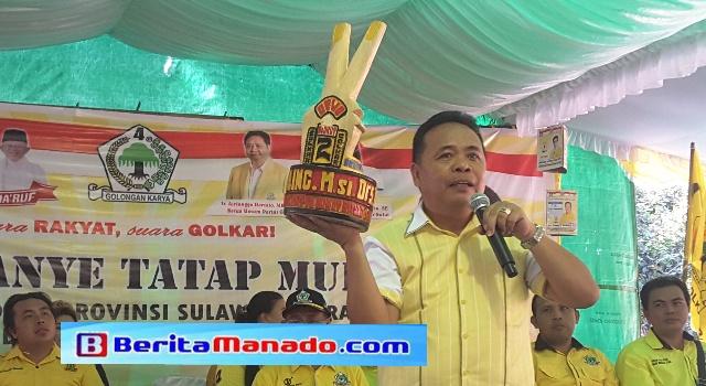 Ketua Partai Golkar Minut Drs Denny Wowiling MSi.