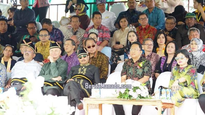 Menteri Pariwisata Arief Yahya saat pembukaan Tomohon International Flower Festival