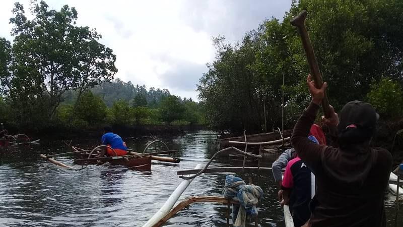 Suasana alam menuju Pulau Napomanu Sarawet