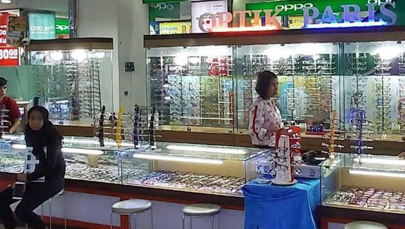 Optik Paris itCenter Manado