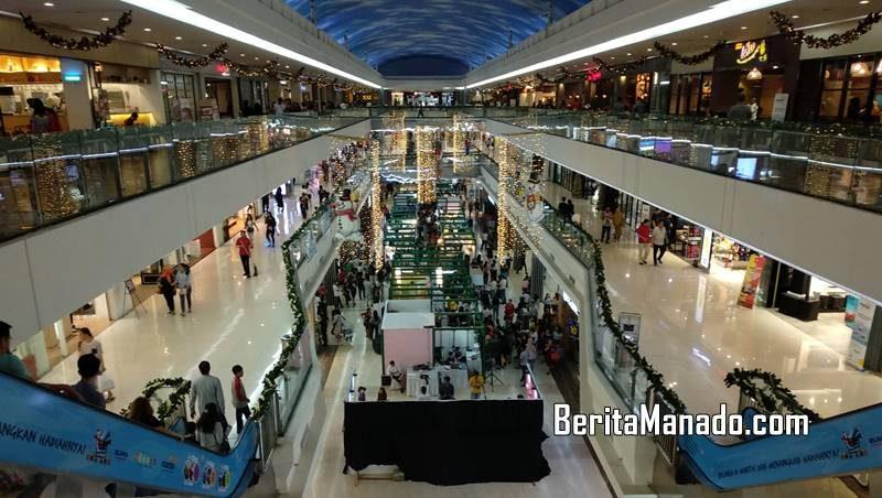 Manado Town Square (Mantos), terletak di Jalan Pierre Tendean, Boulevard Manado