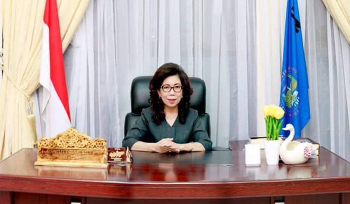 Prof Dr Julyeta Paulina Amelia Runtuwene MS