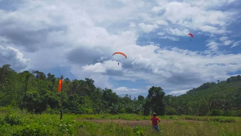 Take-off dari Bukit Tanjung Kerbou dan landing di Pantai Paal, Likupang Timur, Minahasa Utara (foto IST)