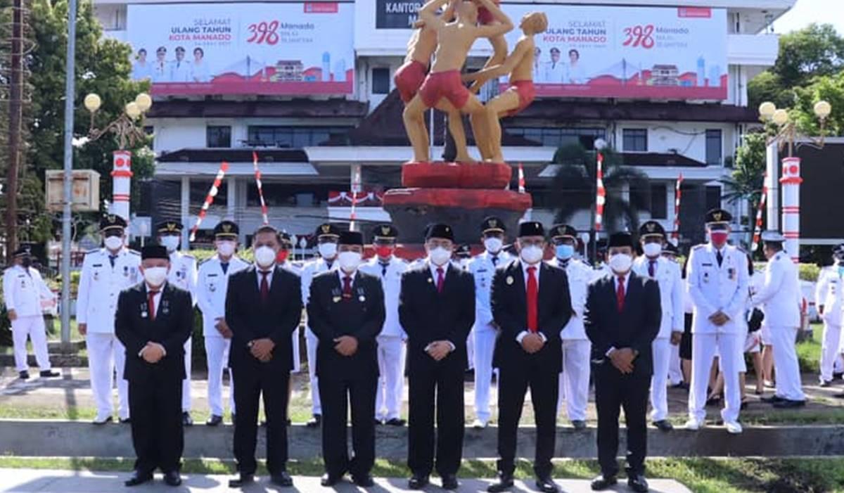 Foto bersama jajaran Pemerintah Kota Manado. Rabu (14/7/2021). Foto IST.
