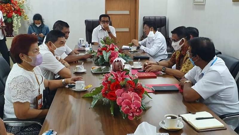 Pertemuan antara PT Membangun Sulut Hebat dan Wali Kota Bitung Maurits Mantiri